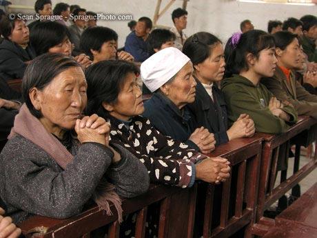 Giáo dân xin Tòa Thánh can thiệp thả bốn linh mục bị bắt ở Sơn Đông